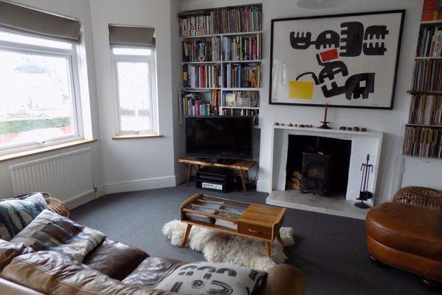 Thumbnail Maisonette to rent in Cross Street, Farnborough, Hampshire