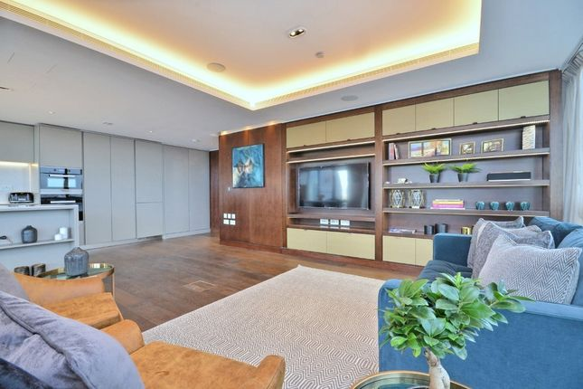 Thumbnail Flat to rent in Canaletto Tower, City Road, Angel, Shoreditch, Islington, London