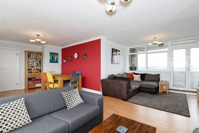 Thumbnail Flat for sale in The Knoll, London