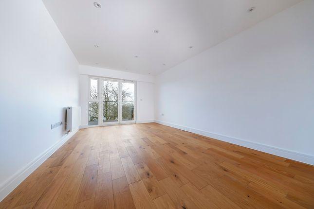 Flat for sale in So Resi Clapham Park, Kings Avenue, London, 8EU, London