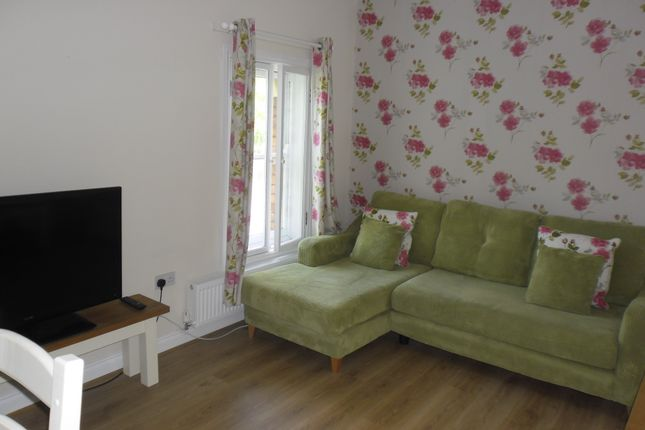 Thumbnail Flat to rent in Headlands, Kettering