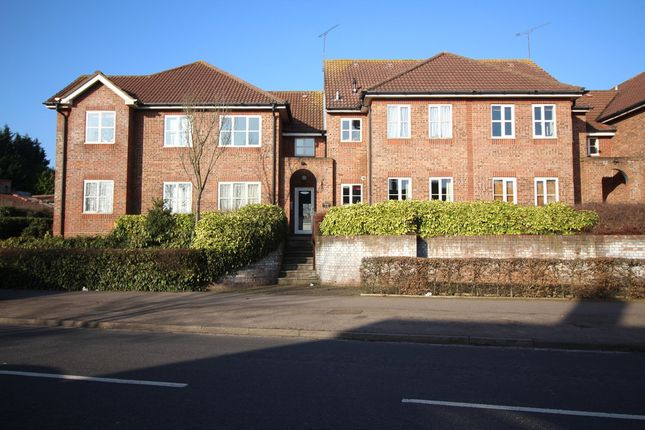 Thumbnail Flat for sale in The Brow, Watford