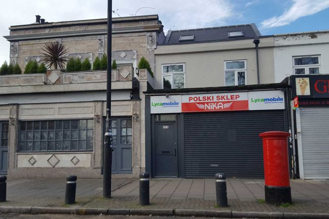 2 bed flat to rent in Leytonstone Road, London