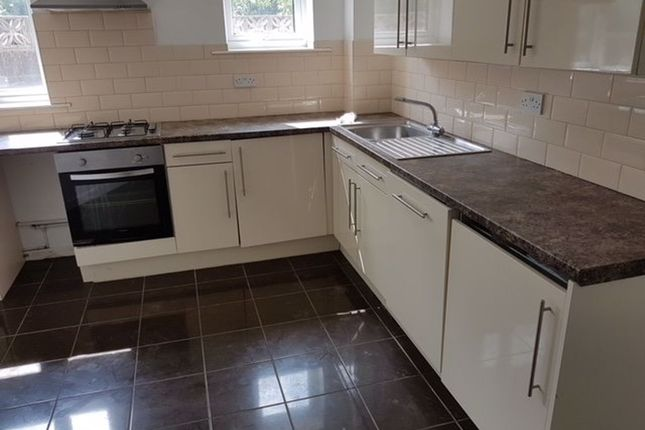 Thumbnail Flat to rent in The Walk, Roath, Cardiff
