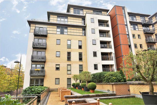 Thumbnail Flat for sale in 6 Bowman Lane, Leeds