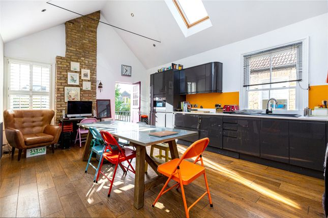 4 bed flat for sale in Telford Avenue, London SW2