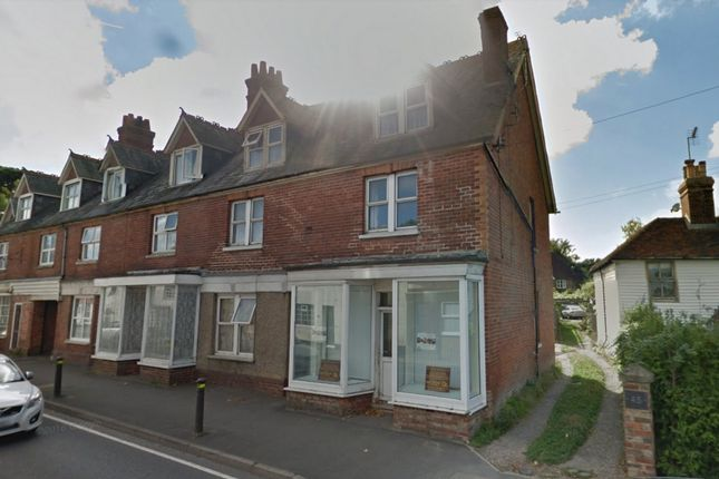 Thumbnail Flat to rent in London Road, Hurst Green