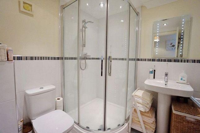Bathroom of Seaford Sands, Roundham Road, Paignton - TQ4