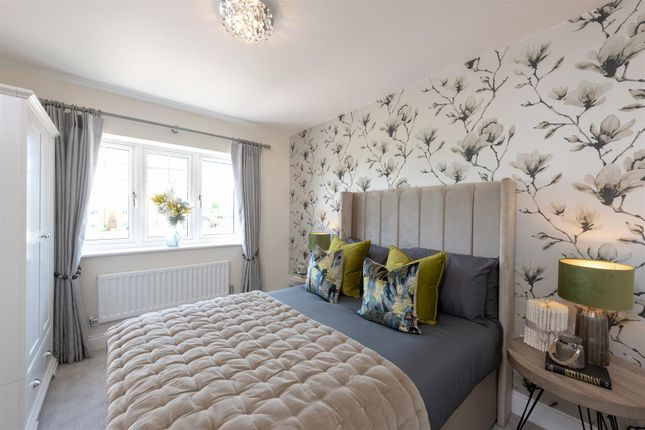 Bedroom of Compass Fields, Watford WD19