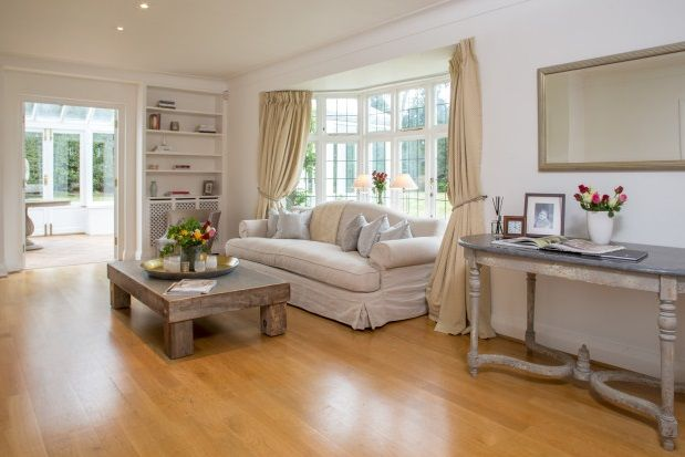 Thumbnail Property to rent in Roedean Crescent, Roehampton