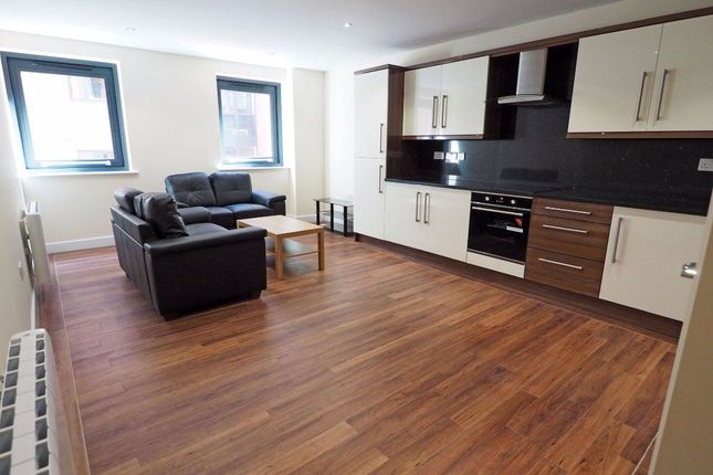 4 bed flat to rent in Fitzwilliam Street, Sheffield S1