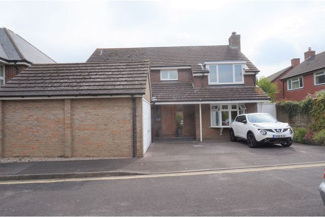 Thumbnail Detached house for sale in The Mallards, Havant