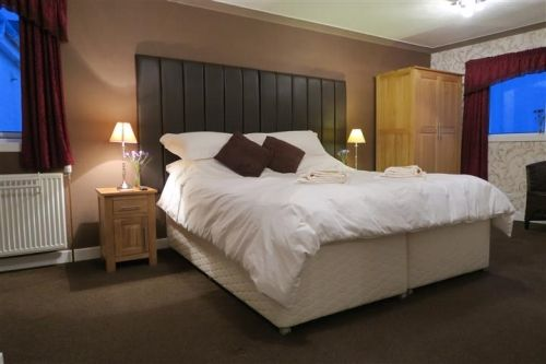 Thumbnail Hotel/guest house for sale in Kyleakin, Isle Of Skye