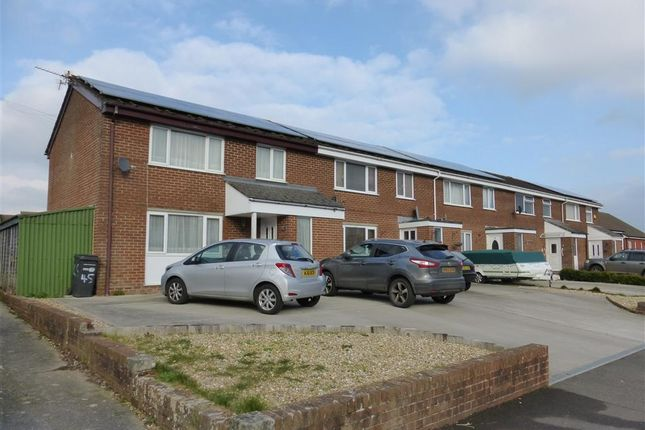 Thumbnail Property to rent in Montrose Road, Yeovil