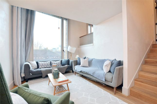Thumbnail Maisonette for sale in Wenlock Street, Shoreditch, London