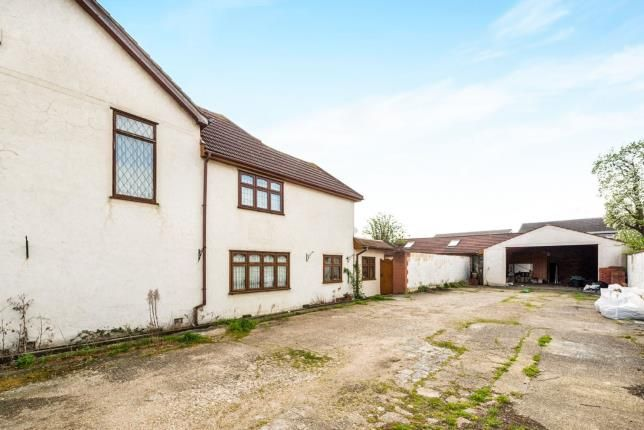 Mawneys Romford Essex Rm7 3 Bedroom Detached House For