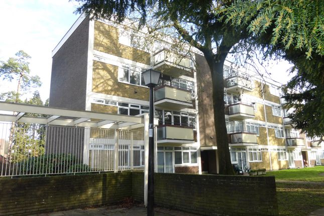 2 bed flat for sale in Ifield Drive, Ifield, Crawley