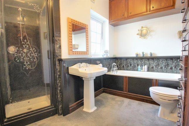 Bathroom of Keaton Road, Ivybridge PL21