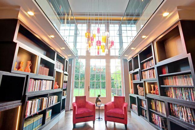 Library of Cobden Hill, Radlett WD7