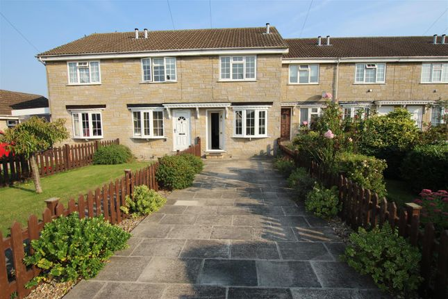 2 bed property to rent in Paddock Close, Pickering