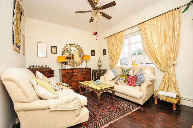 Thumbnail Flat for sale in Whinyates Road, London