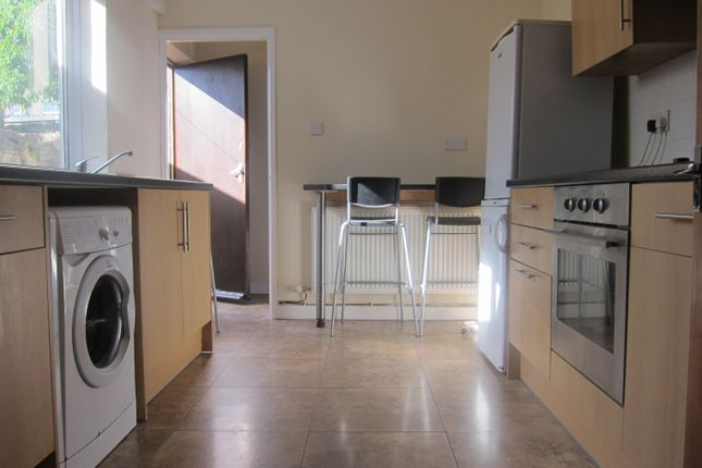Thumbnail Property to rent in New Park Terrace (19), Treforest, Pontypridd