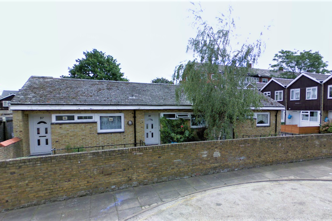 Thumbnail Bungalow to rent in Flemming Road, Kennington