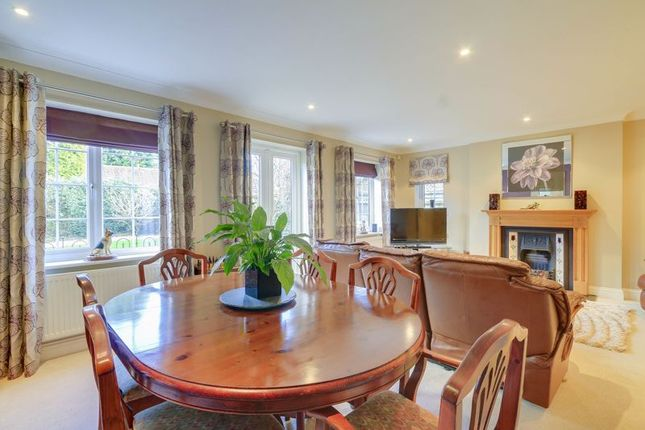 Dining Area of Buckland Road, Lower Kingswood, Tadworth KT20