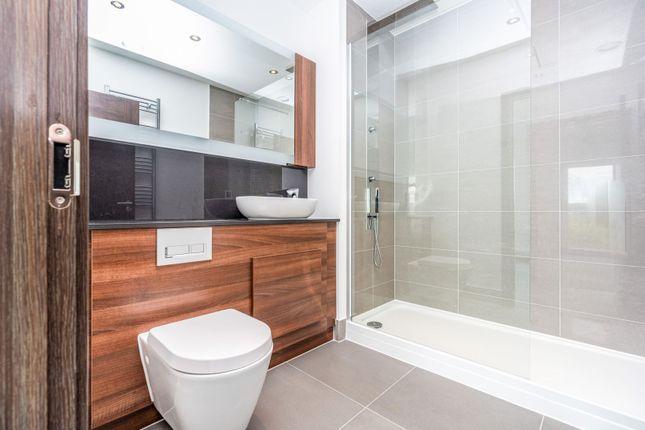 En-Suite of Waterhouse Avenue, Maidstone ME14