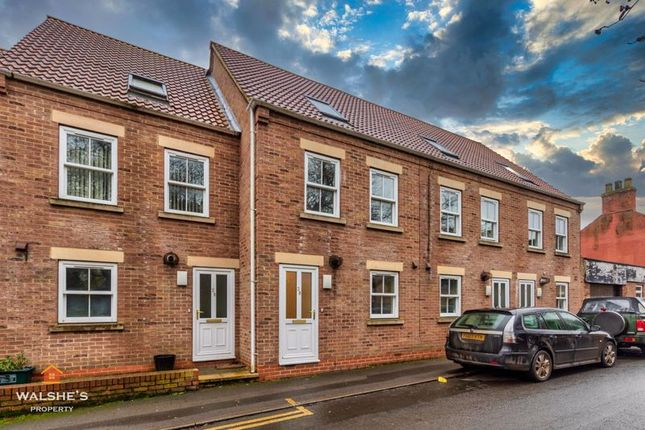 3 bed terraced house to rent in West Street, Winterton, Scunthorpe DN15