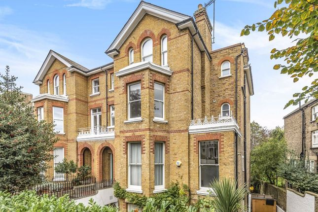 2 bed flat to rent in Sheen Road, Richmond TW9