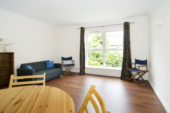 Thumbnail Terraced house to rent in Queen Elizabeth Street, London