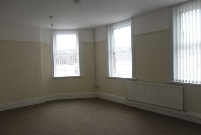 Thumbnail Flat to rent in Sway Road, Morriston