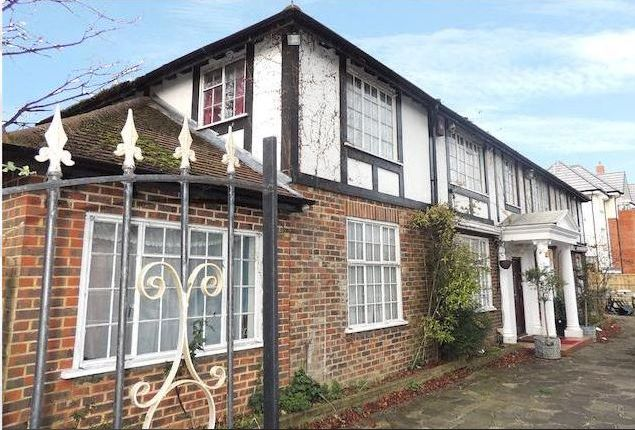 Thumbnail Detached house to rent in Brighton Road, Purley