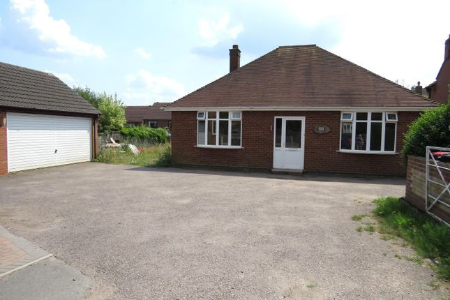 3 bed bungalow to rent in Wyndshiels, Coleshill, Birmingham B46