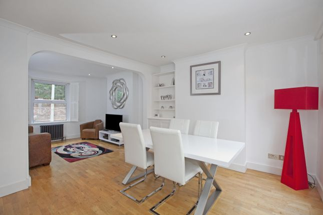 Thumbnail Town house to rent in Dagmar Road, Windsor