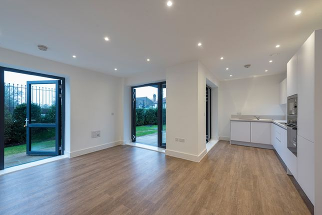 Thumbnail Flat to rent in Westleigh Avenue, Putney