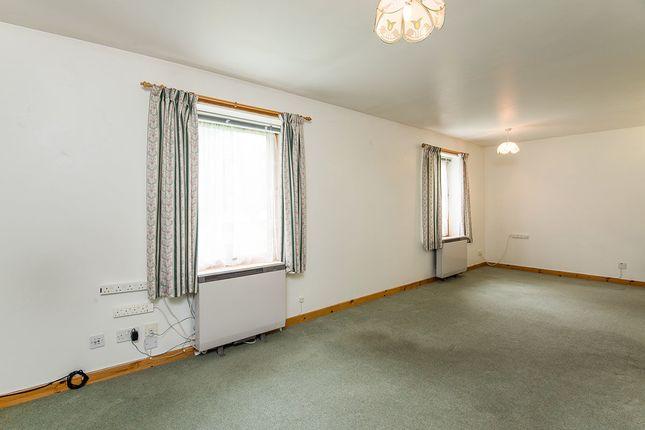 tulloch court dingwall iv15 2 bedroom flat for sale 44923229 primelocation. Black Bedroom Furniture Sets. Home Design Ideas