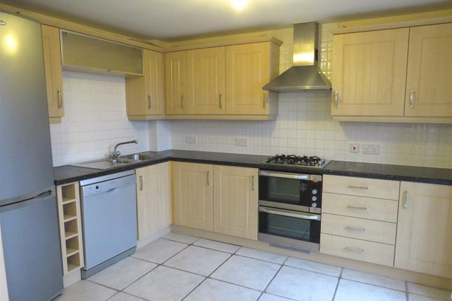 Thumbnail Property to rent in Longstork Road, Rugby