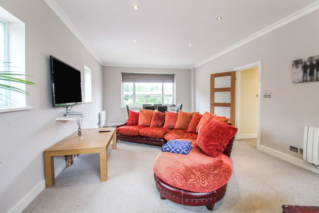 3 bed flat for sale in Seymour Gardens, Sutton Coldfield B74