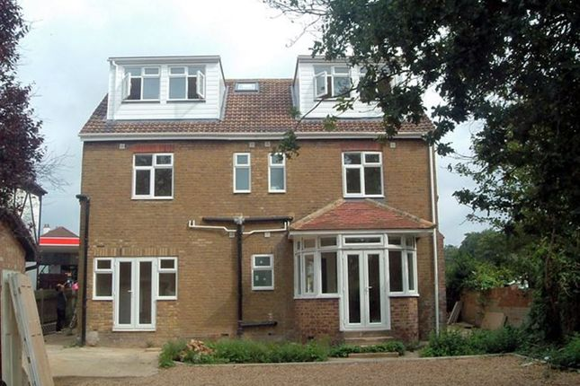 Thumbnail Maisonette to rent in Stomp Road, Burnham, Slough