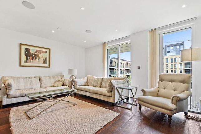 Thumbnail Flat to rent in Ravensbourne Apartments, Central Avenue, Fulham