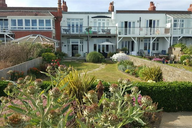 Thumbnail Terraced house for sale in Marina Court Avenue, Bexhill-On-Sea