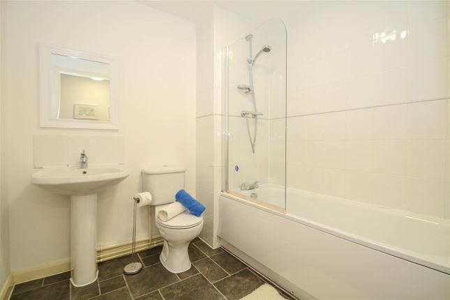 Bathroom (2) of City Link, Hessel Street, Salford M50