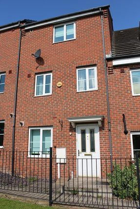 Thumbnail Town house to rent in Halfway Close, Sheffield