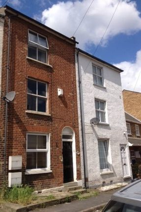 Thumbnail Flat to rent in East Terrace, Gravesend
