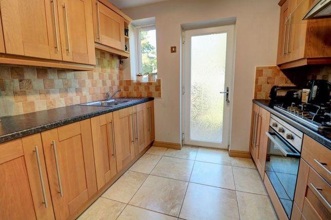 Kitchen of Rowdale Road, Birmingham B42