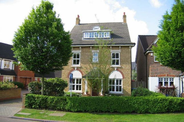 Thumbnail Detached house to rent in Hayward Road, Thames Ditton
