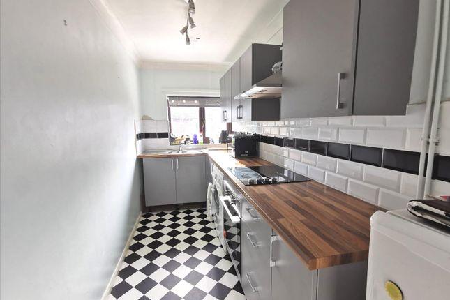 2 bed flat to rent in Nursery Close, Hellesdon, Norwich NR6