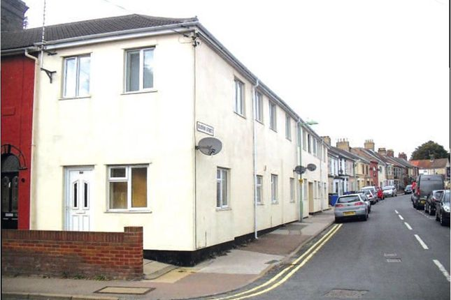 Thumbnail Flat to rent in Burton Street, Lowestoft